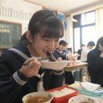 古河の中学10校、給食にフナの甘露煮