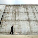全長431キロの「壁」と生きる 巨大津波に備え