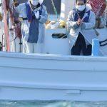 東日本大震災10年 犠牲者の鎮魂祈る 北茨城、市長ら海上で献花