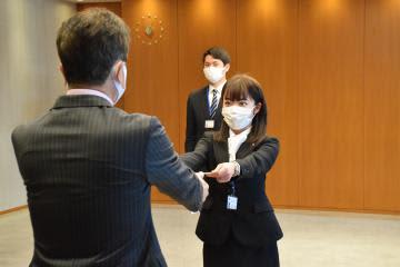 「魅力発信」「変化に対応」 茨城県内で入社式 新社会人、初々しい抱負