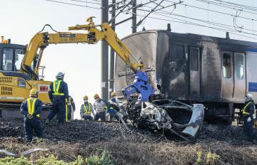 常磐線脱線炎上事故 放置車は車検切れ
