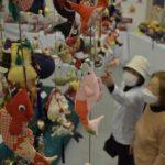 つるし飾りやこいのぼり展示 那珂市歴史民俗資料館