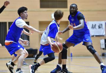 《バスケットボールB2》ロボッツ難敵と決戦 22日から群馬戦