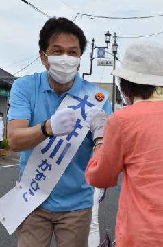 茨城県知事選2021 休日の街、厳戒下の舌戦