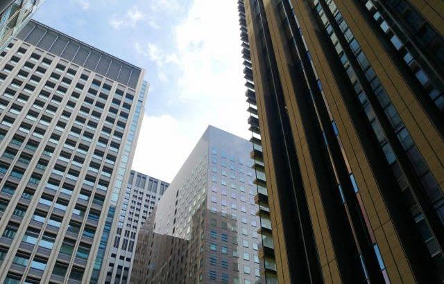 大企業の本社、首都圏外へ移転の動き加速。年内に300社を超え転出超過の勢い。テレワーク常態化等が背景