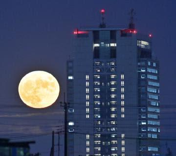 満ちて輝く 中秋の名月