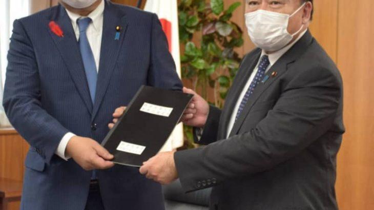 梶山氏、脱炭素化託す 経産相、萩生田氏に引き継ぎ